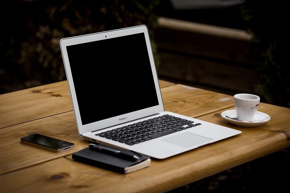 Zakrytí kamery na notebooku