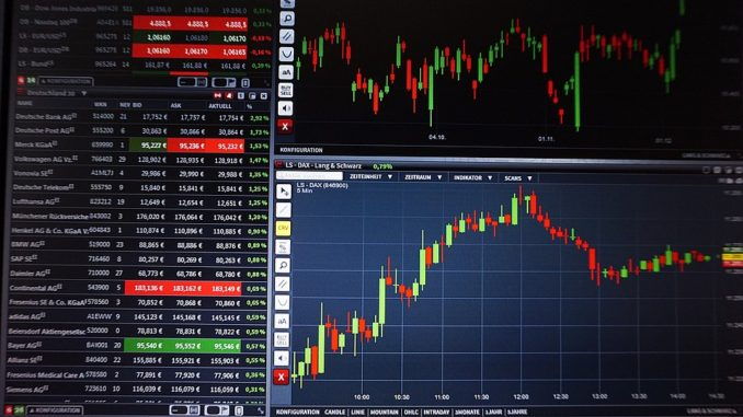 Do čeho investovat v roce 2021? Nabízí se tituly na akciovém trhu